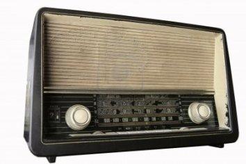 1907077-retro-radio